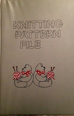 Vintage Knitting Pattern Folder File  With Teddy Bears  And  20 Patterns .