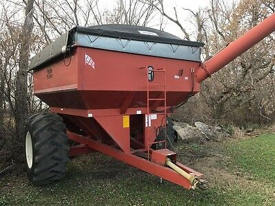 Ficklin CA13000 Grain Carts