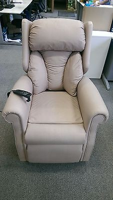 Restwell Chicago electric rise and recliner lift chair