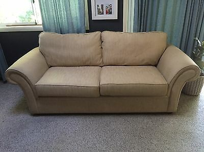 Two and a half seater couch / lounge /sofa