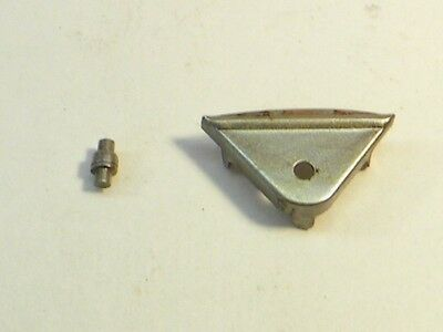 Lionel 418-46 Coupler Triangle and 418-47 Coupler Pin    Original Part