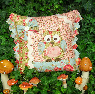 betty barn owl cushion pattern