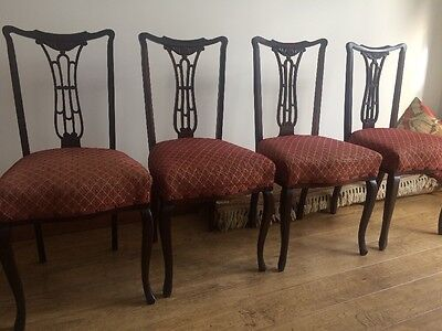 A Set Of 4 Pretty Vintage Dining Chairs