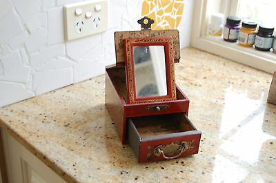 Chinese hand painted trinket box with mirror