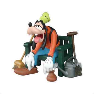 Goofy Bench Walt Disney inch Figure Figurine Statue Display Store NEW BOXED BOX