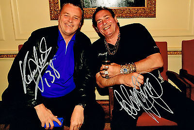 BOBBY GEORGE & KEITH DELLER DARTS HAND SIGNED PHOTO AUTHENTIC GENUINE + COA 12x8