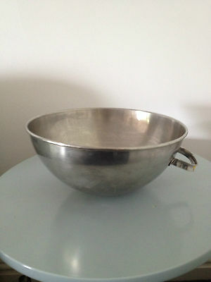 """STAINLESS STEEL RESTAURANT  MIXING BOWL WITH 1 HANDLE 10.5"""" DIAMETER x 5"""" DEPTH"""