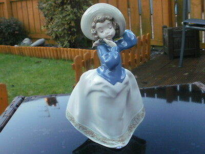 NAO by LLADRO FIGURINE - GIRL IN HAT WITH BIRD ON HER SHOULDER - MINT