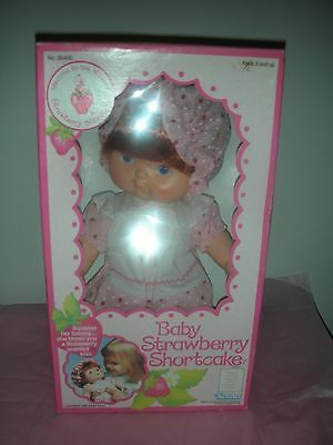 Vintage 1982 Kenner Strawberry Shortcake Blow Kiss Baby Doll NRFB