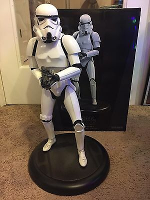 Sideshow Collectibles Star Wars stormtrooper Premium Format statue 1:4 scale