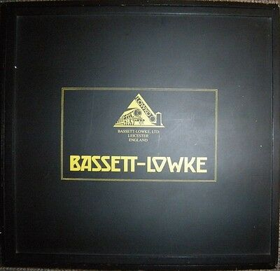 BASSETT-LOWKE (Corgi) display case for 0 gauge train set