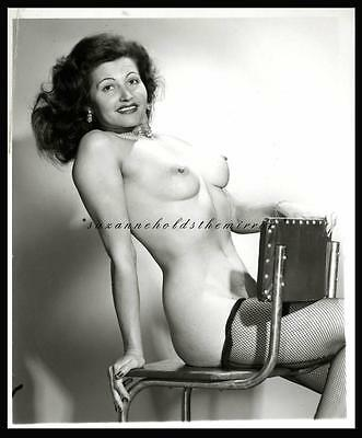 VINTAGE 1950s SEXY NUDE WAITRESS BEAUTIFUL TORSO BREASTS FISHNET STOCKINGS LIKE