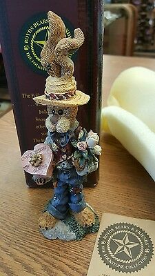 Buster Goes A Courtin Boyds Bears Figurine Rabbit 2844
