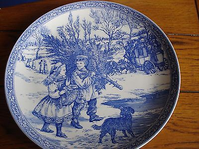 SPODE CHRISTMAS PLATE from the BLUE ROOM COLLECTION plate no.1