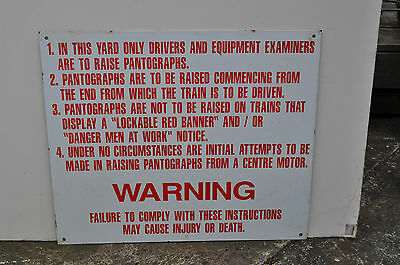 V.R.Train drivers instruction sign
