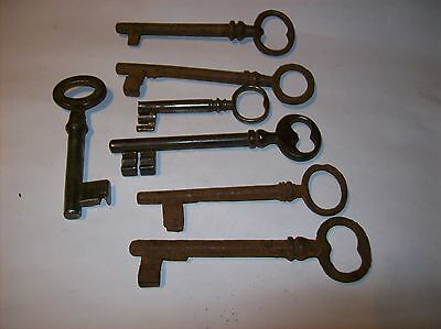 7 X  georgian / victorian   IRON KEYS   10CM LONG