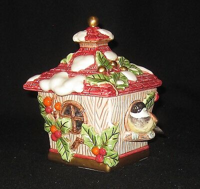 Fitz & Floyd CHICKADEE WINTER BIRD HOUSE xmas holly Covered Box Dish Lid EX Cond