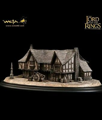 Lord of the Rings The Prancing Pony from Sideshow Weta - ultra rare