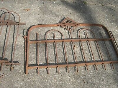 Antique Iron Gate Victorian Loop fence style 1800's