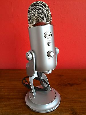 Blue Yeti Microphone Stereo Usb Multi-Pattern Apple Mac Pc Desk Or Stand Mount