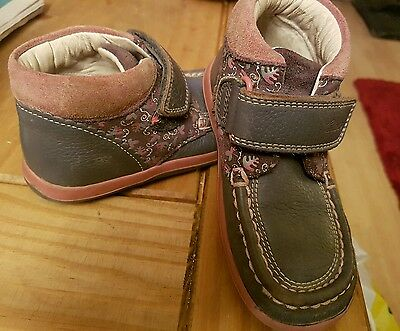 Girls clarks shoes size 8