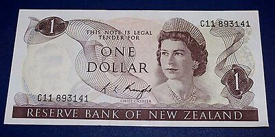 1973 New Zealand 1 Dollar Banknote SN#C11 893141 UNCIRCULATED