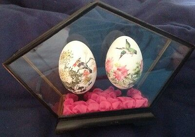 Vintage Oriental Hand Painted Eggs In Wood And Glass Case
