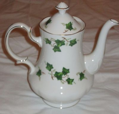 Colclough Ivy Leaf Bone China Coffee Pot /collectable/christmas Dining