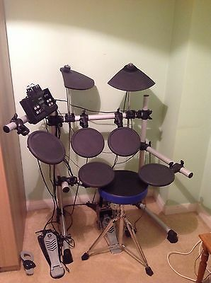 Yamaha DTX500 Electric Drum Kit And STool