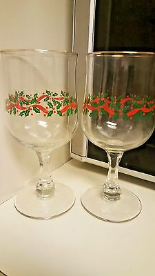 2 Libbey Christmas Holly Berry Ribbon Wine Glasses Gold Rim Faceted Stem