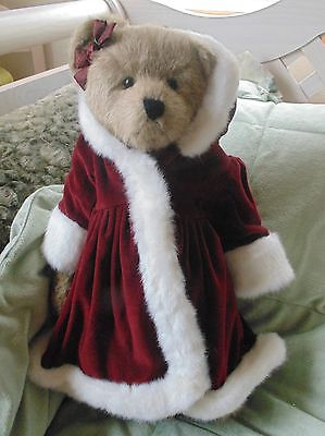 BOYDS BEAR ~THEA~ LIMITED EDITION FROM QVC and STAND JUSTINA LAVENTHAL