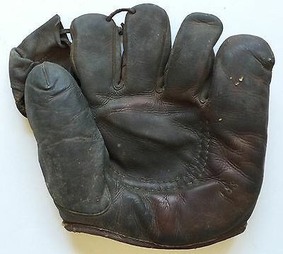 """Vintage Spalding Baseball Glove # 188 """"soft-Ball"""" With Three Finger Lacing"""
