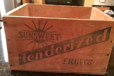Vintage CALIFORNIA FRUIT WOOD CRATE: 1940 SUNSWEET