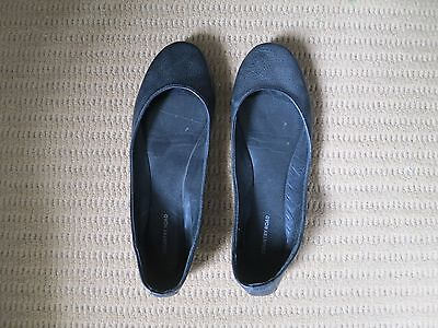 Black Country Road Ballet Flats. Size 39