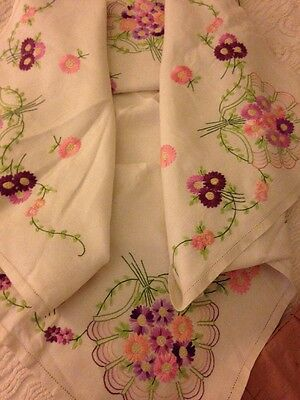 Vintage Hand Embroidered Pretty Floral Table Cloth. Beautiful Stitching!