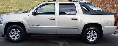 2008 Chevrolet Avalanche LTZ 2008 Chevrolet Avalanche LTZ 4WD Loaded Low, Low Miles