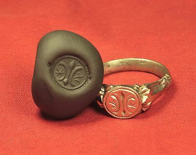 Rare Medieval Silver Knight's Seal Ring - 13. Century