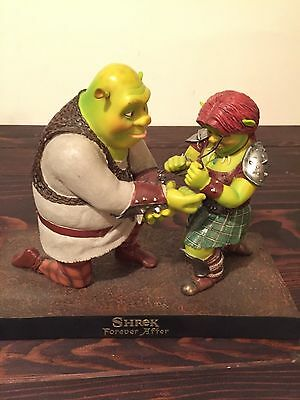 Dreamworks Animation Shrek Forever After Maquette Crew Gift NO BOX