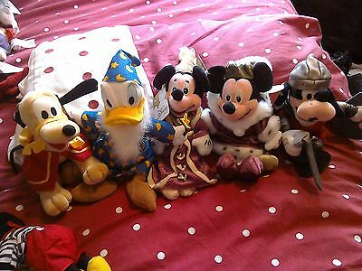 Five Rare disney beanies with tags...PLUTO..GOOFY. DONALD.MICKEY and MINNIE