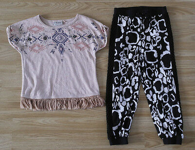 Next short sleeve top with River Island leggings for girl 3-4 years