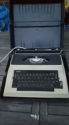 Boots PT2000E Portable electric typewriter with carry case