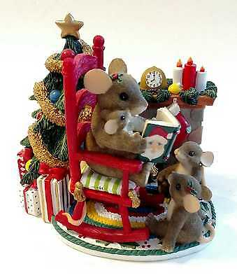 "Charming Tails ""Christmas Time is Family Time"" Figurine 87/117  Hard to Find!"