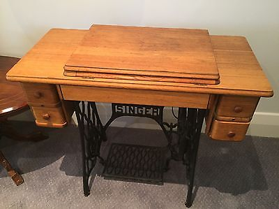 Singer Sewing Machine/Table Top