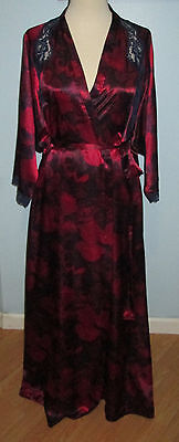 Vtg. Vanity Fair Red & Black Polyester Long Lounging Robe  Sz.l