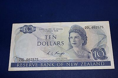 1973 New Zealand 10 Dollars Banknote SN#20L 662575