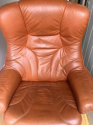 Vintage Retro Danish 'STOUBY' Tan Leather Swivel/Tilting  Midcentury Chair 1960s