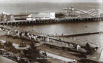 RP Card CLACTON-ON-SEA PIER c1950 - Unposted