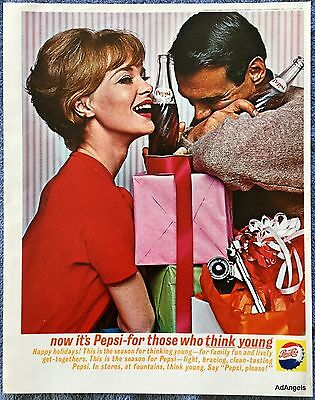1962 Pepsi Cola Couple Christmas Gifts Presents Wrapped Happy Holidays ad