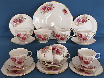 Vintage Queen Anne Pink Country Roses 21 Piece China Tea Set England Wedding