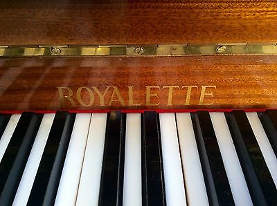 Royalette upright piano
